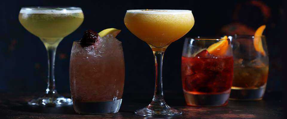 mac-dn19-drinks-page-img-cocktails.jpg